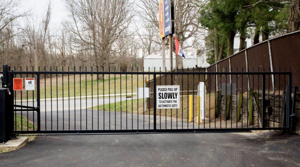 danville-gate-001