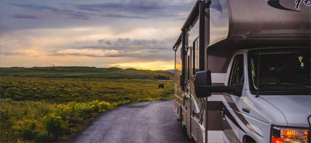 quiet-evening-in-yellowstone